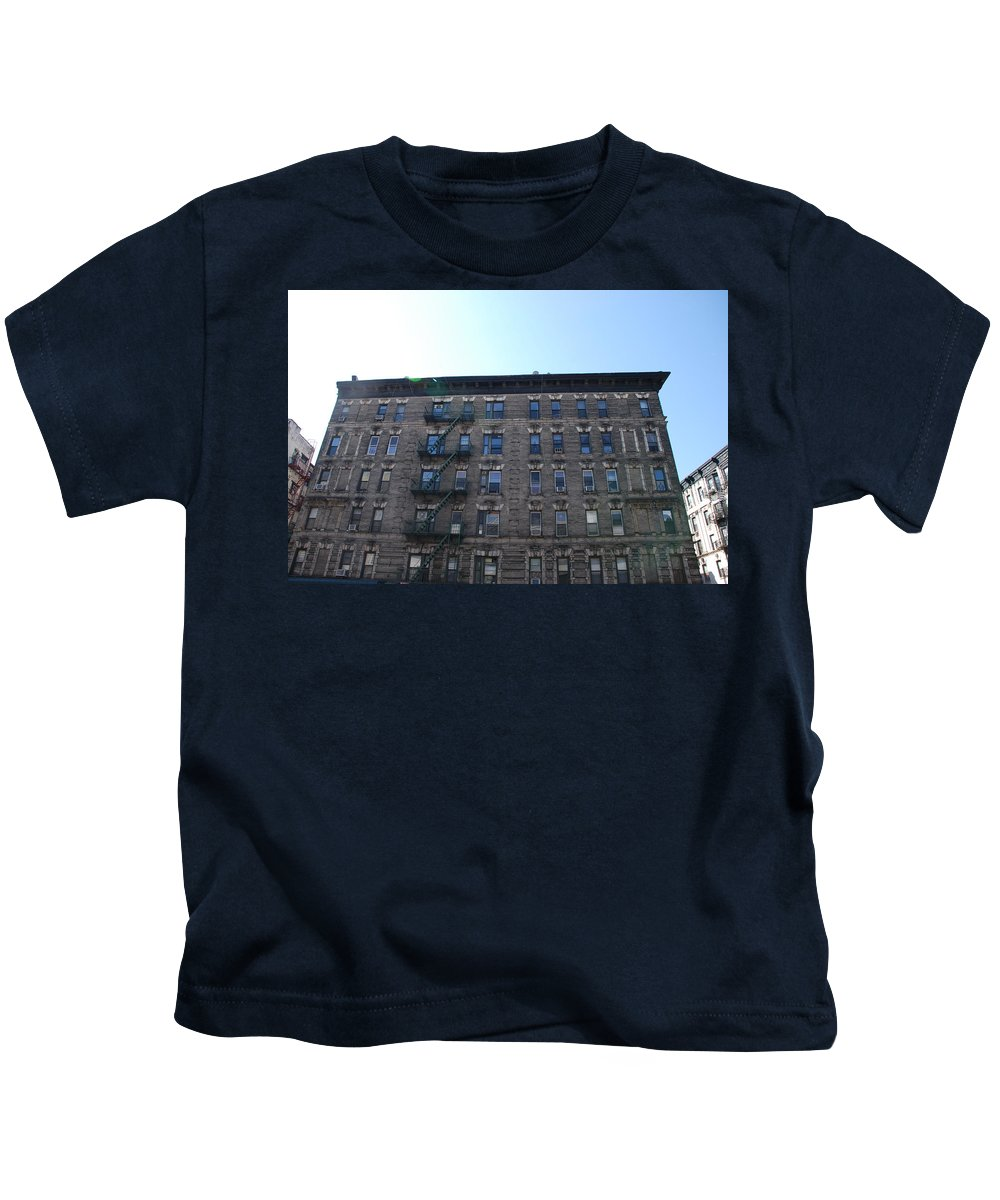 Architecture Kids T-Shirt featuring the photograph Physical Graffitti by Rob Hans