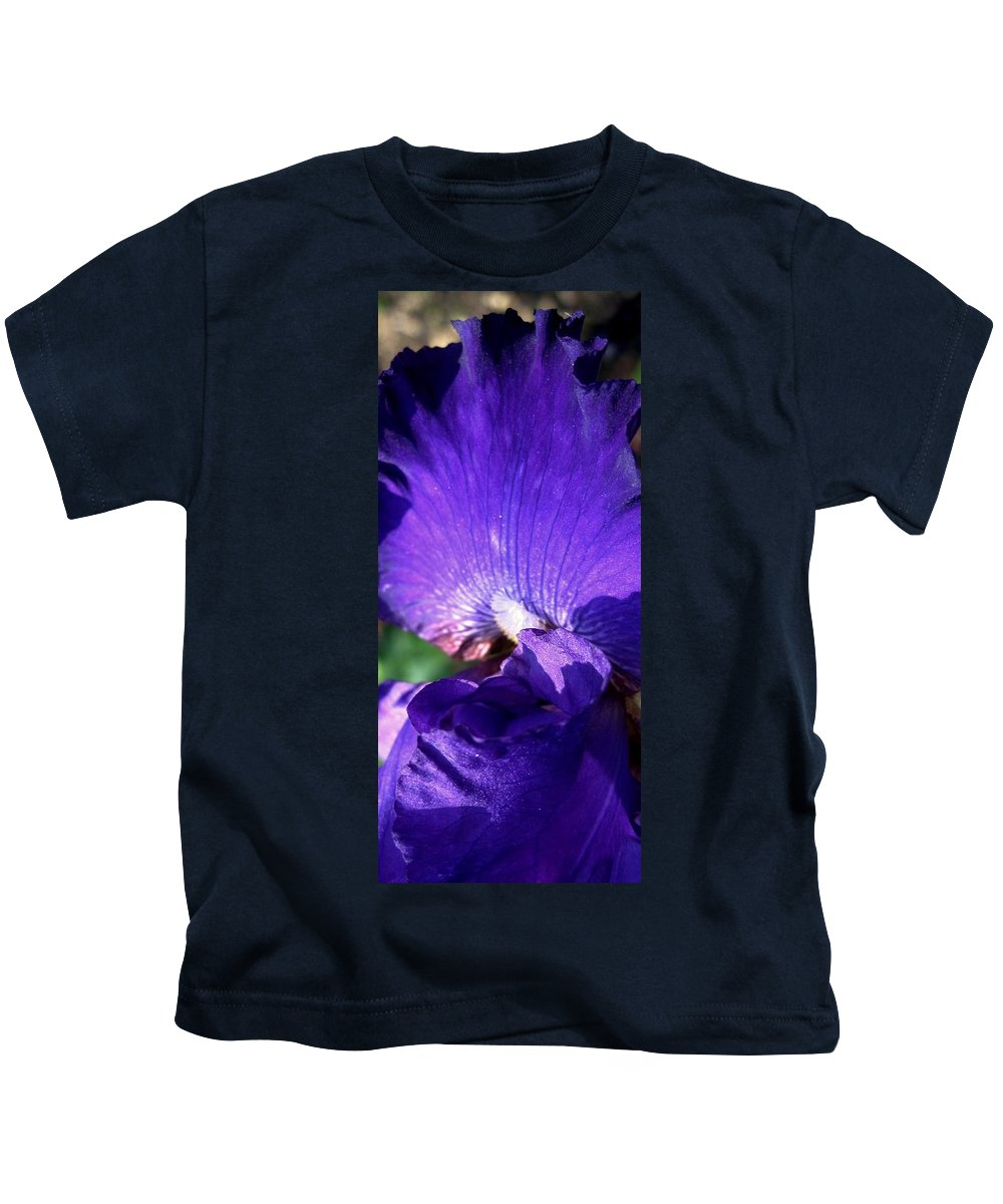 Abstract Kids T-Shirt featuring the photograph Scalloped by Ian MacDonald