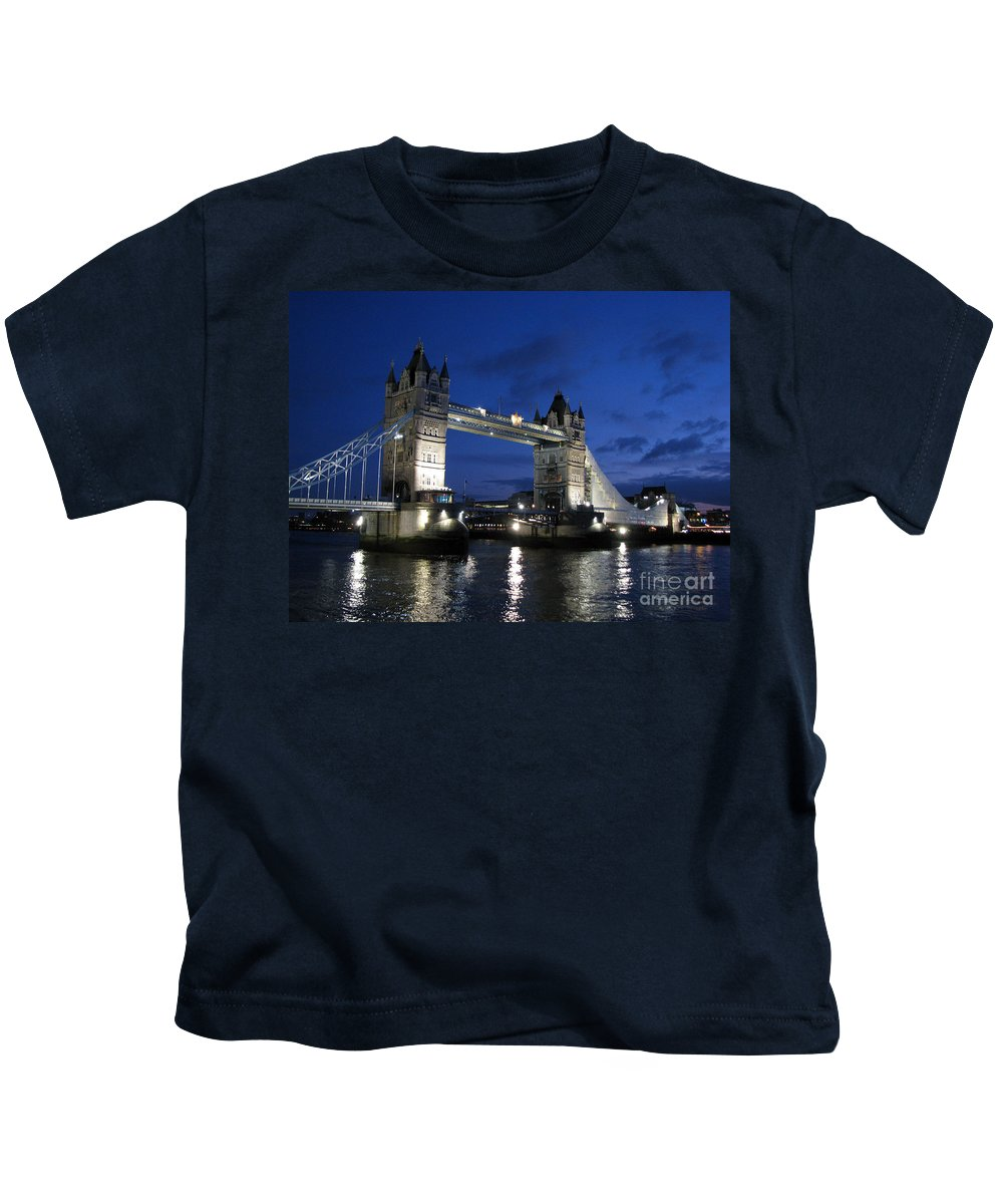 London Kids T-Shirt featuring the photograph Tower Bridge by Amanda Barcon