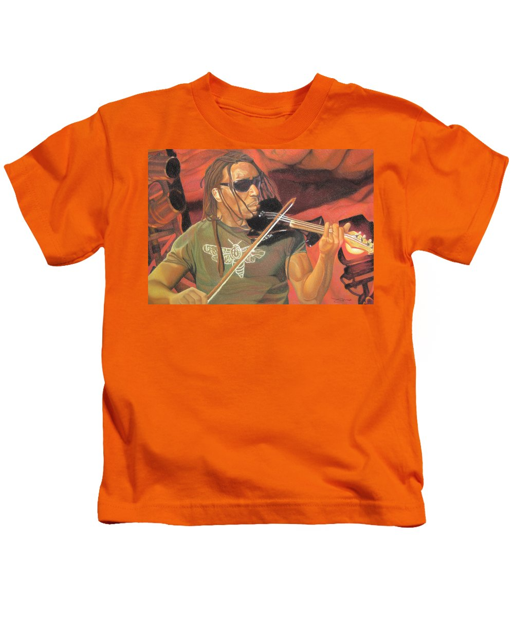 Boyd Tinsley Kids T-Shirt featuring the drawing Boyd Tinsley At Red Rocks by Joshua Morton