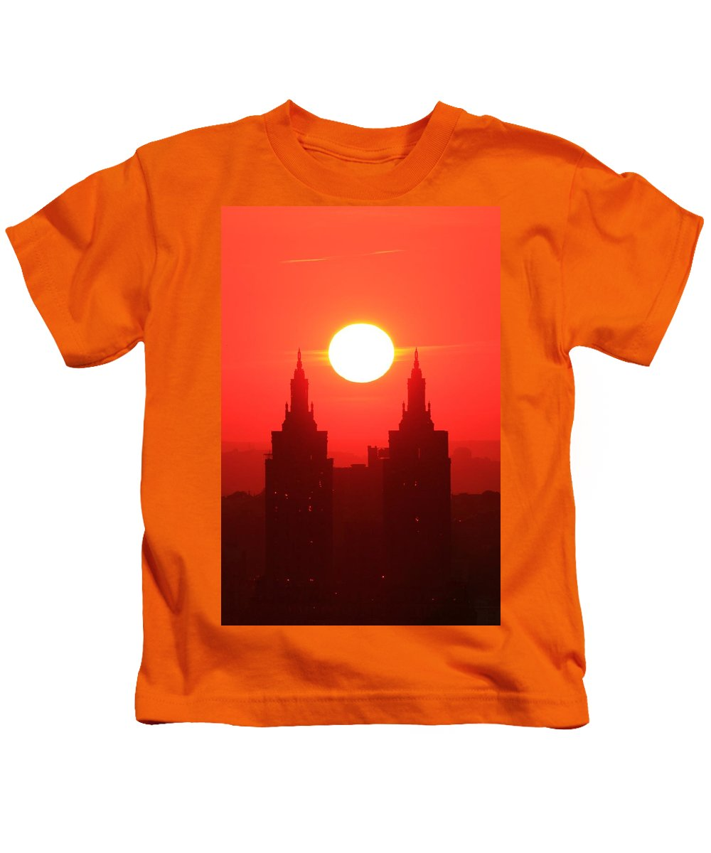 New York City Kids T-Shirt featuring the photograph Centered by Catie Canetti