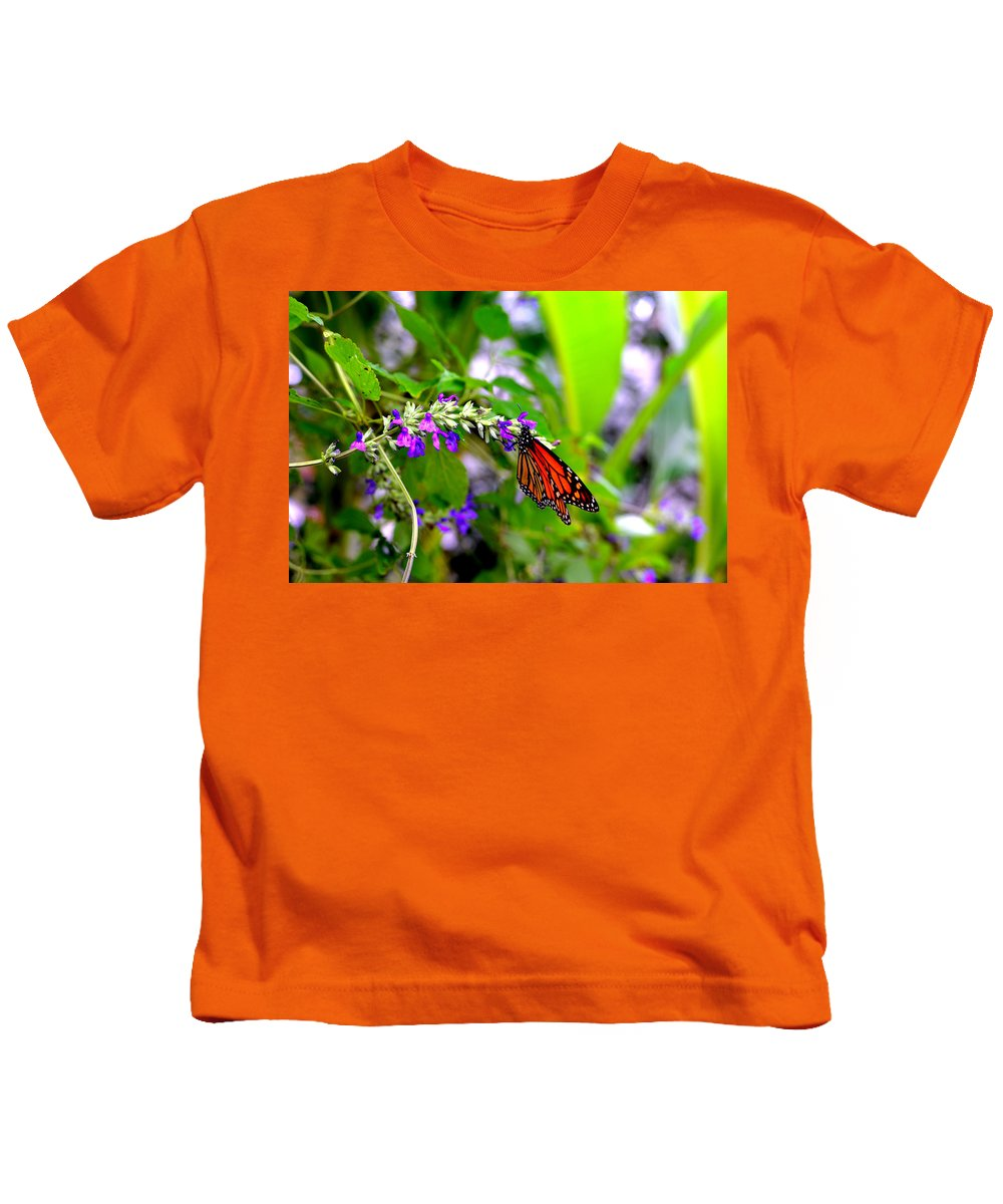 Butterfly Kids T-Shirt featuring the photograph Monarch With Sweet Nectar by Marilyn Holkham