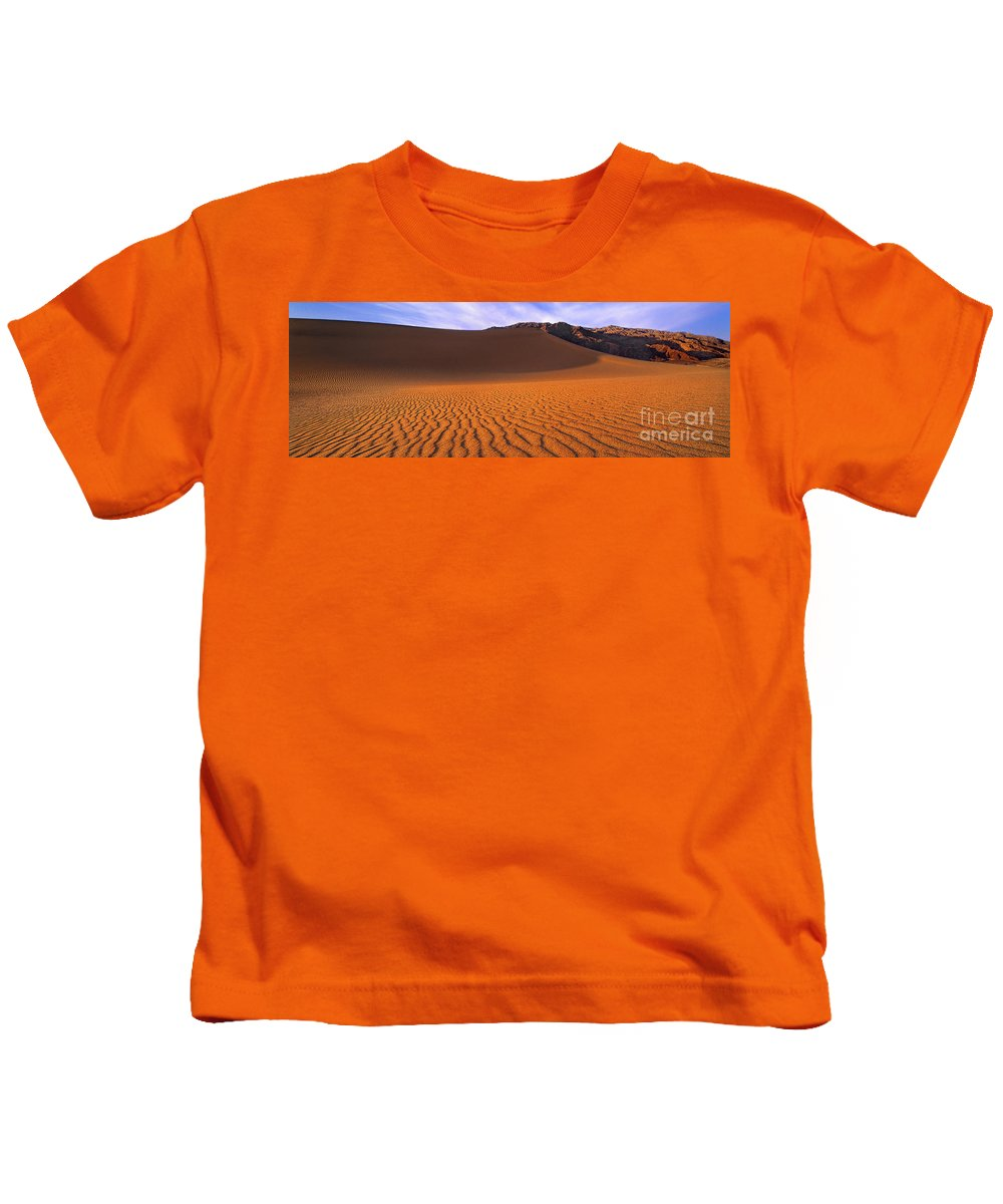 David Welling Kids T-Shirt featuring the photograph Panoramic Mesquite Sand Dune Patterns Death Valley National Park by Dave Welling