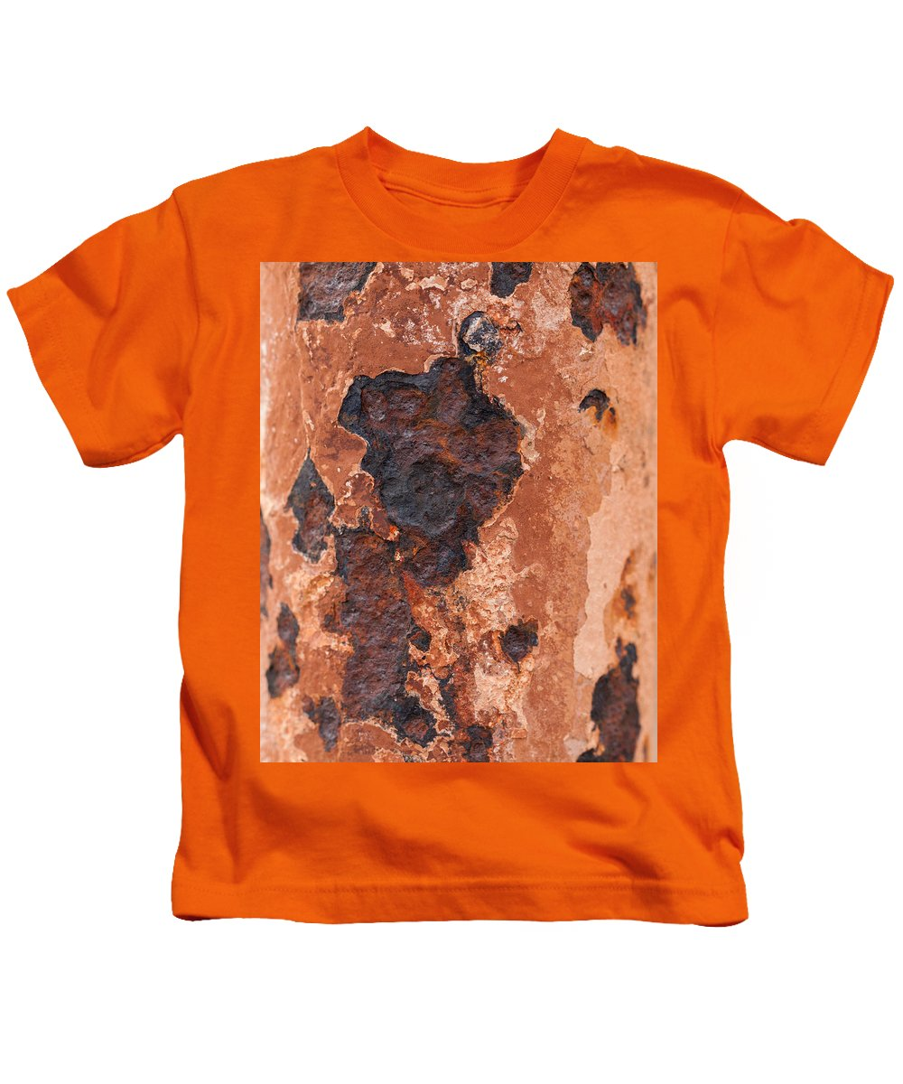 Post In Decay Kids T-Shirt featuring the photograph Post In Decay by Fran Riley