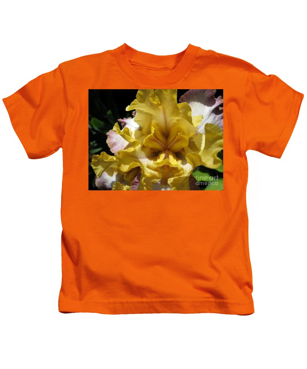 Tall Bearded Iris Kids T-Shirt featuring the photograph Tall Bearded Iris Named Butterfingers by J McCombie