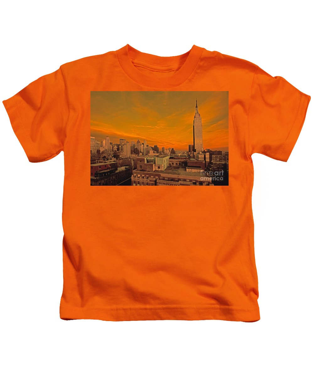 New York Kids T-Shirt featuring the photograph Nyc Skyline by Bruce Bain