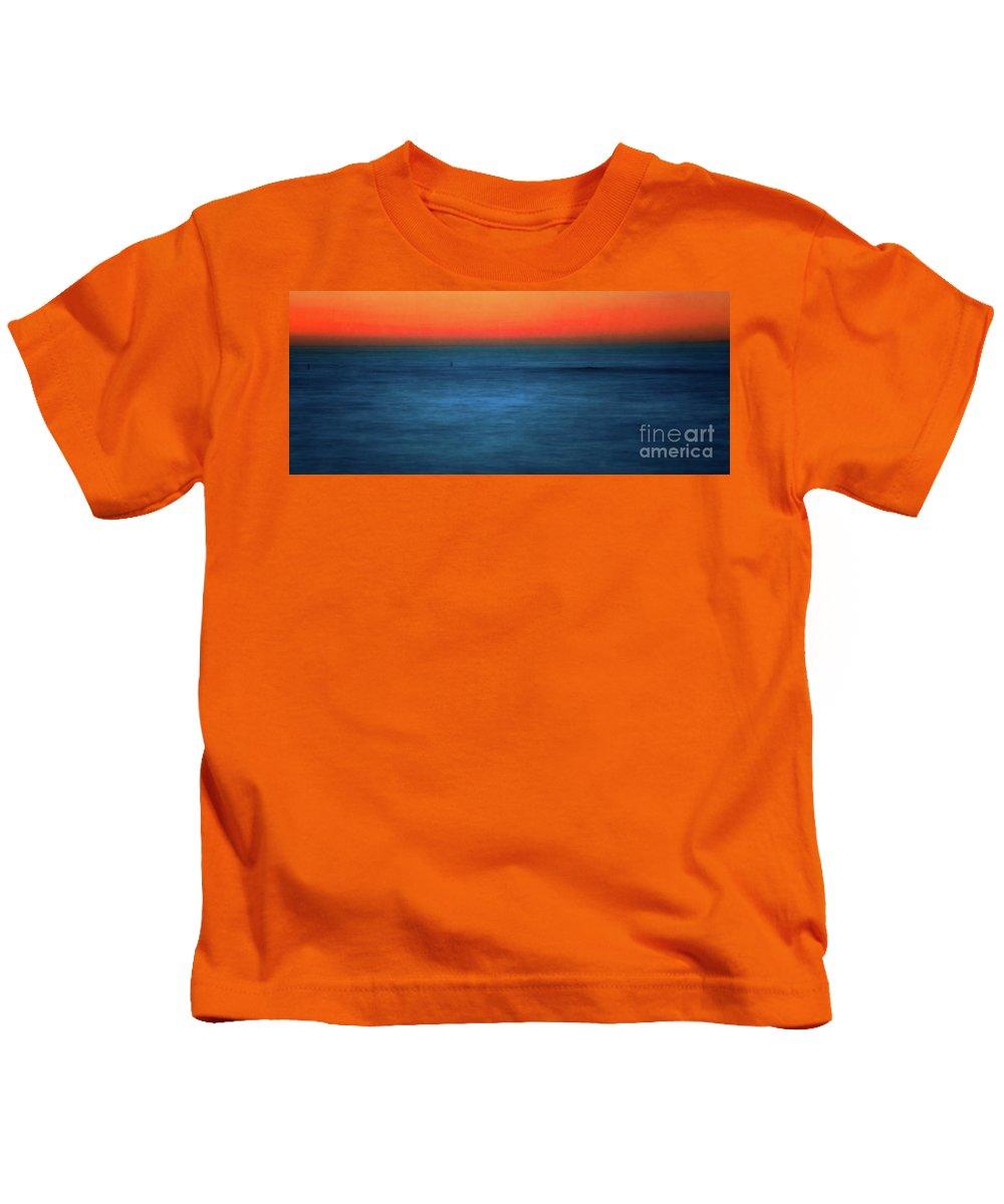 Santa Monica Kids T-Shirt featuring the photograph Santa Monica Sunset 1 by Doug Sturgess