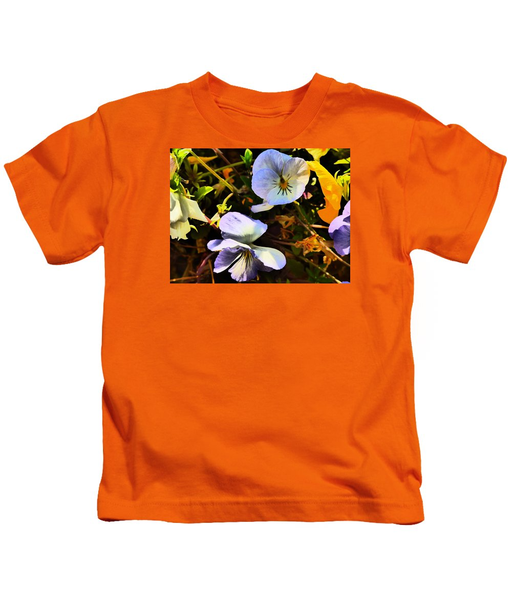 Flower Garden Idaho Photography Kids T-Shirt featuring the photograph The Look Of Love by Paul Stanner