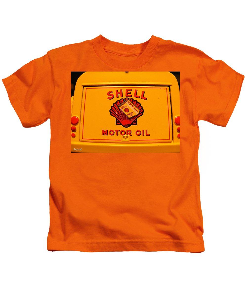 Back It Up Joe Kids T-Shirt featuring the photograph Back It Up Joe by Edward Smith