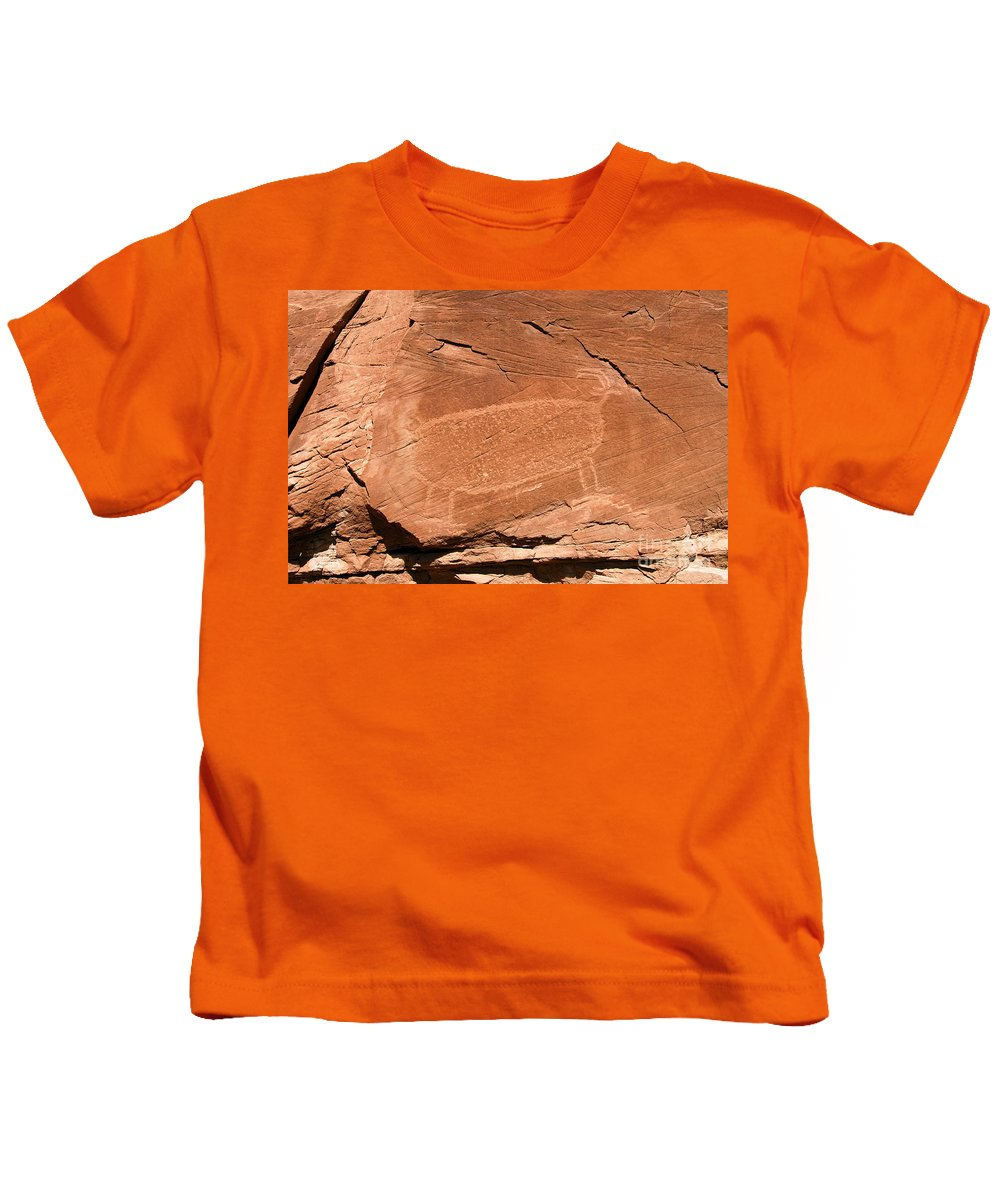 Bighorn Sheep Kids T-Shirt featuring the photograph Bighorn by David Lee Thompson