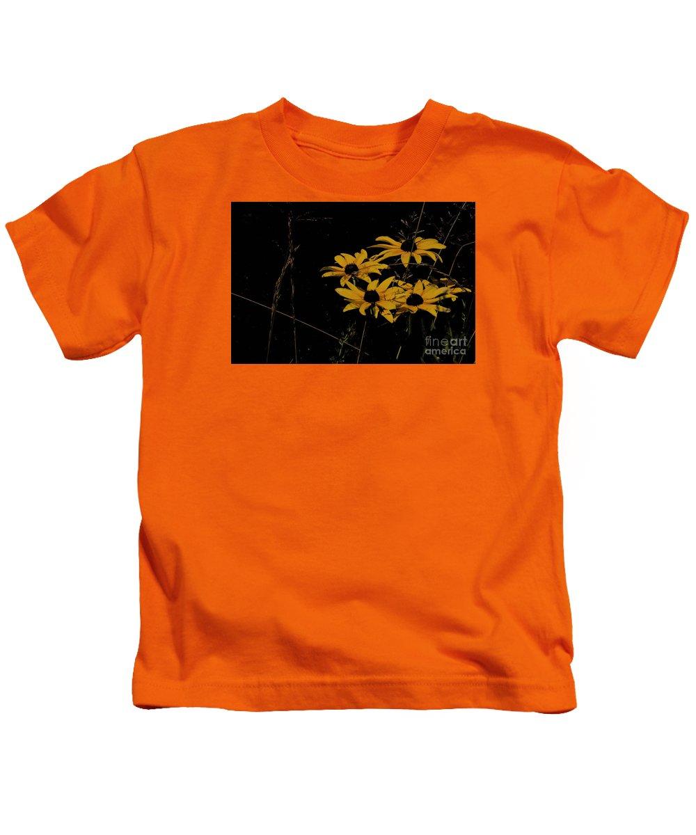 Black Eyed Susans Kids T-Shirt featuring the photograph Black Eyed Susans At Dusk by David Frederick