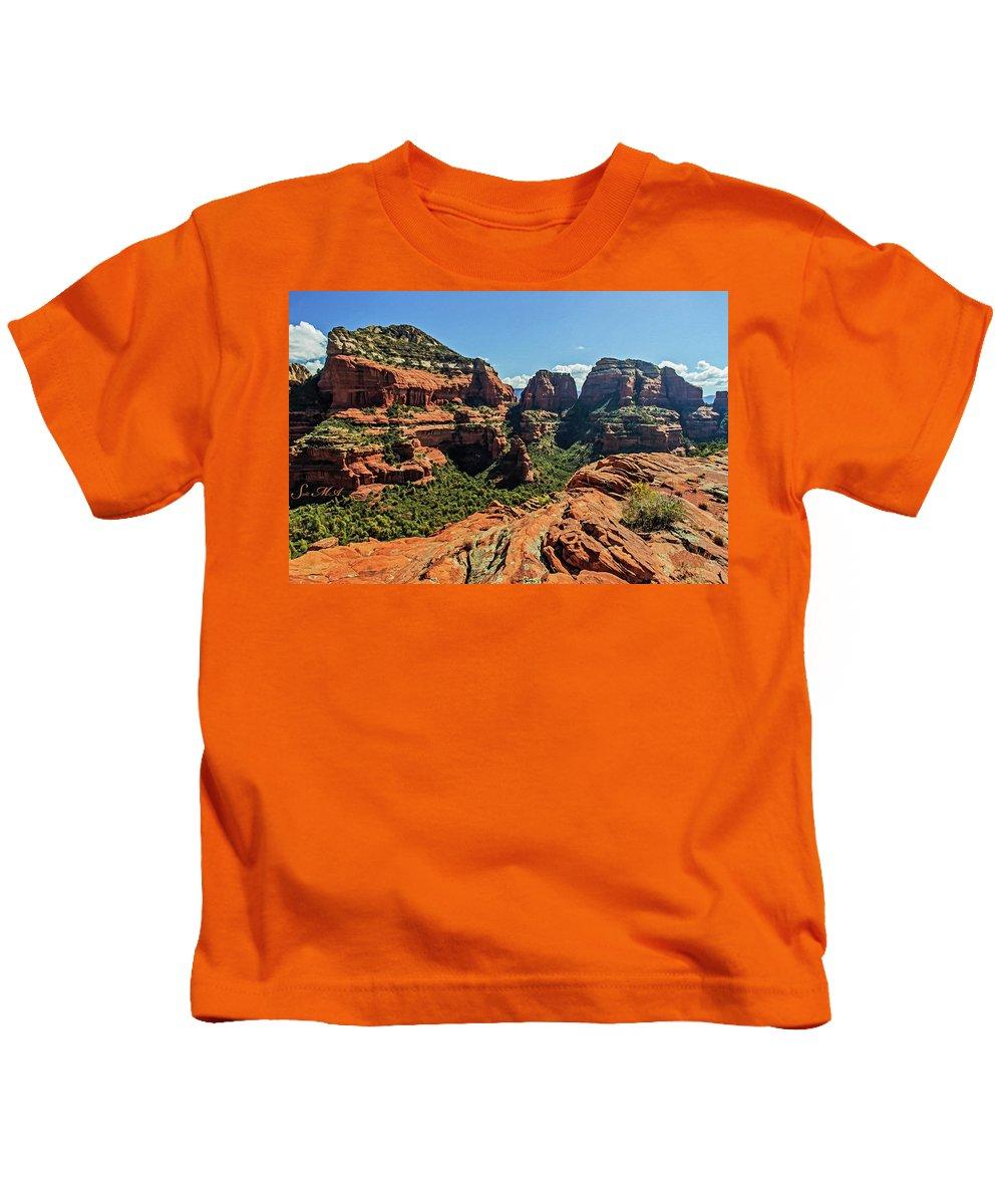 Arizona Kids T-Shirt featuring the photograph Boynton Canyon 07-054 by Scott McAllister
