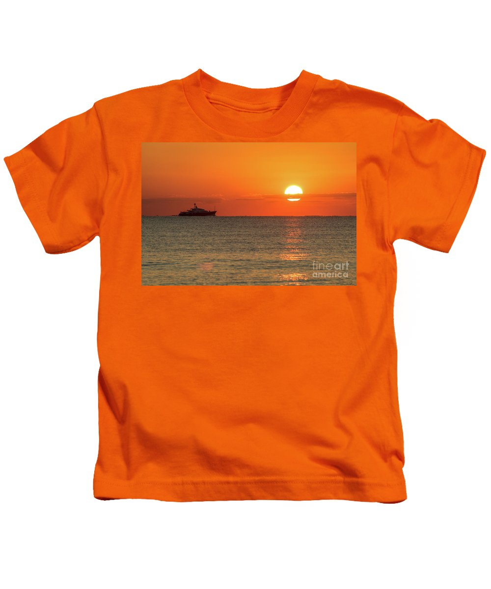 Sunrise Kids T-Shirt featuring the photograph Good Morning Ft. Lauderdale by Gregg Newsom