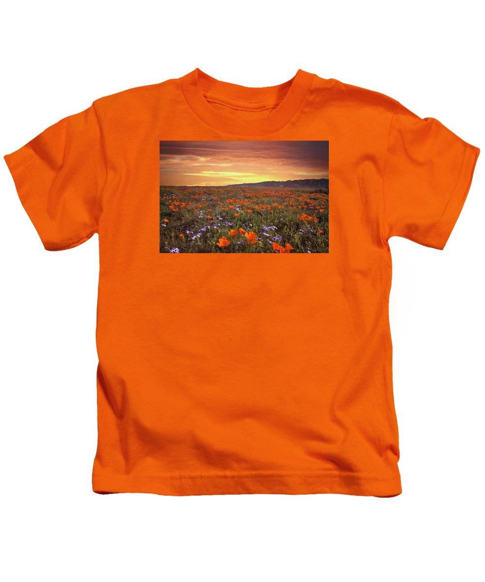 Poppy Kids T-Shirt featuring the photograph High Desert Sunset Serenade by Lynn Bauer