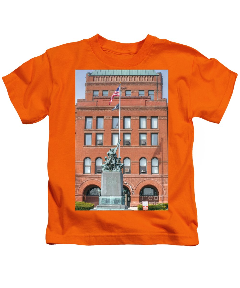 Kane County Illinois Kids T-Shirt featuring the photograph Kane County Courthouse by David Bearden