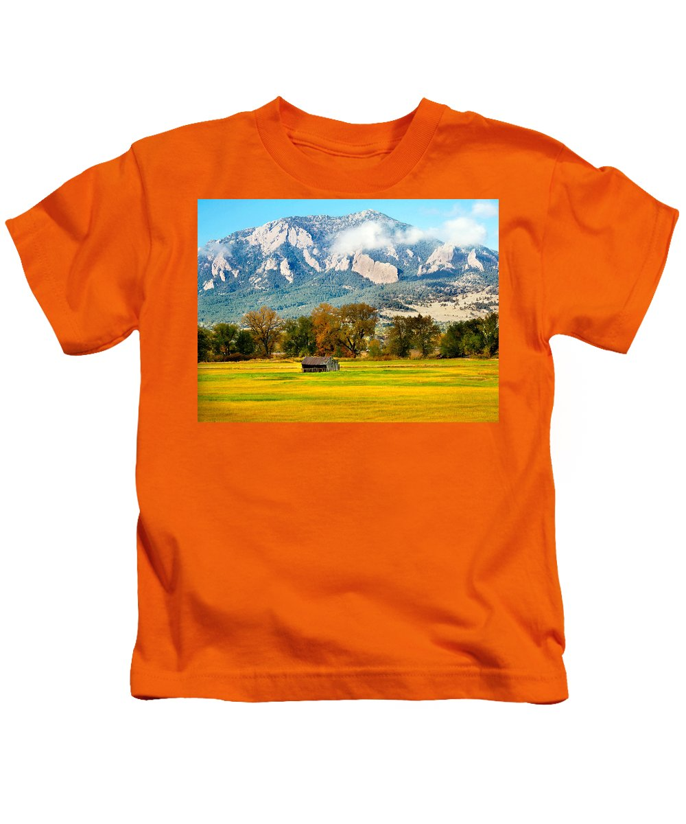 Rural Kids T-Shirt featuring the photograph Old Shed by Marilyn Hunt