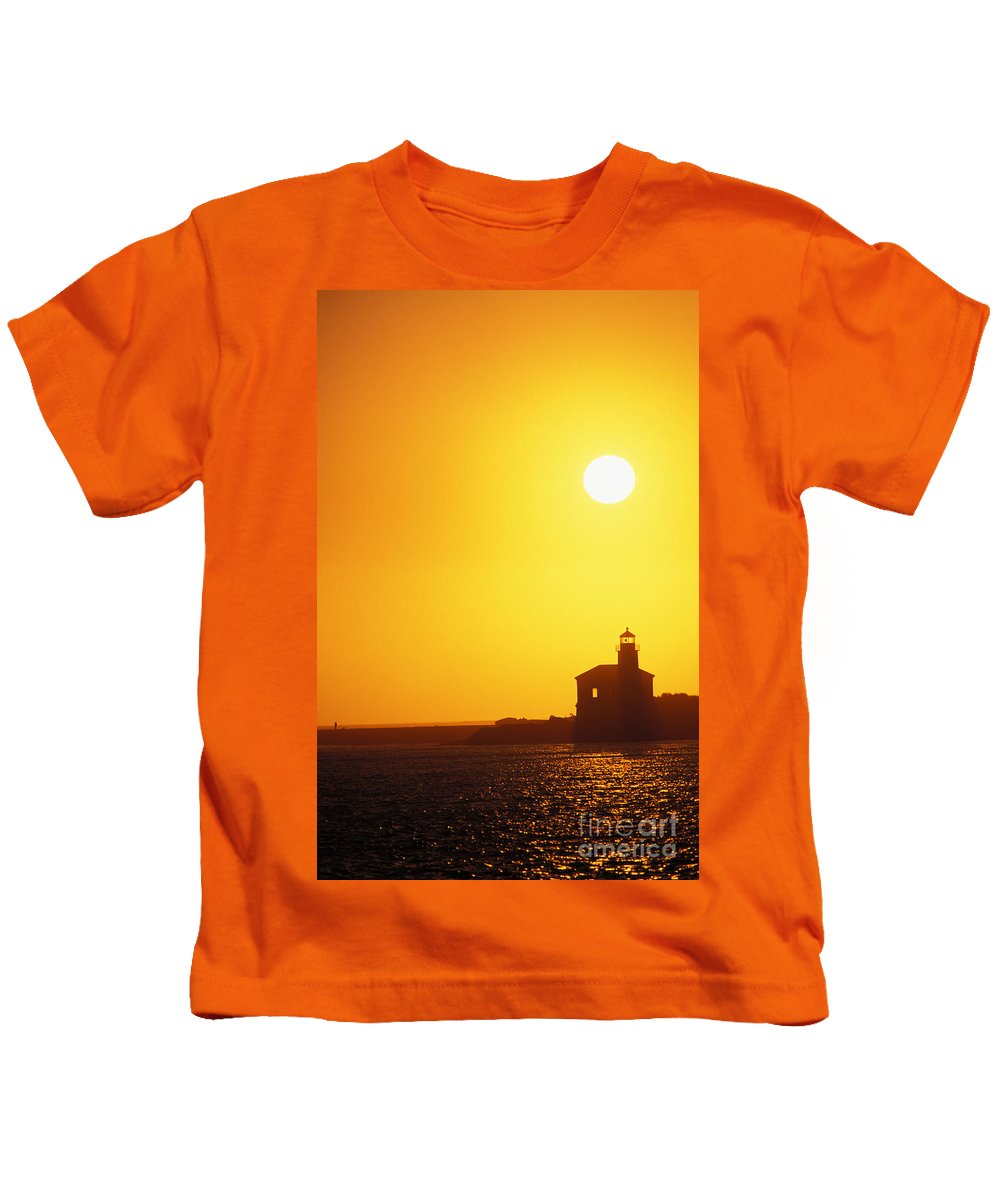 Bandon Kids T-Shirt featuring the photograph Oregon, Bandon by Greg Vaughn - Printscapes