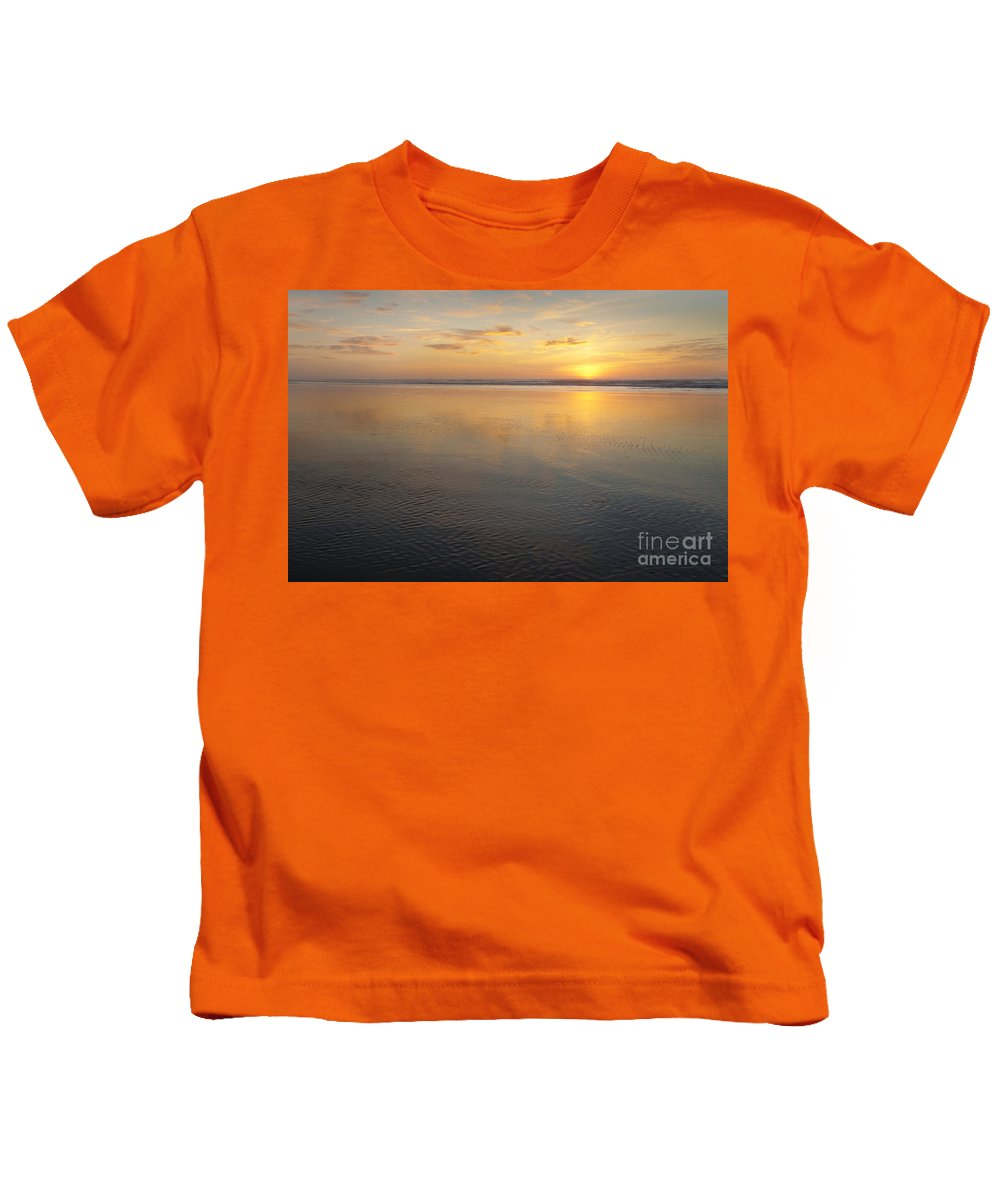 America Kids T-Shirt featuring the photograph Oregon Ocean Sunset by Greg Vaughn - Printscapes