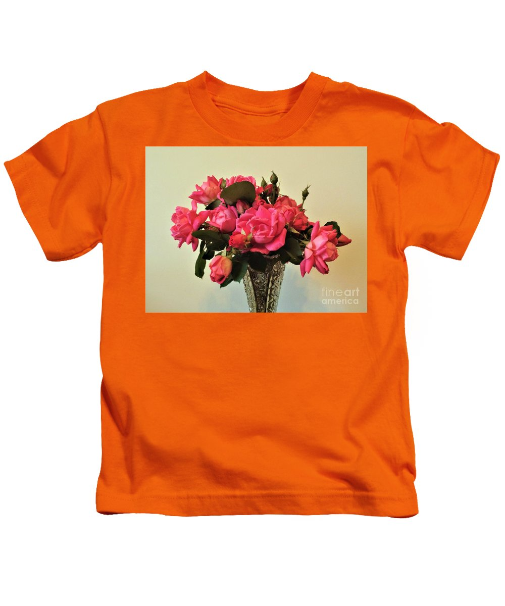 Pink Kids T-Shirt featuring the photograph Pink Roses Bouquet 2 by Scenic Sights By Tara