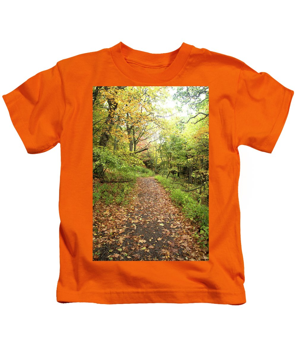Skylands Trail Kids T-Shirt featuring the photograph Skyline Trail P by Robert McCulloch