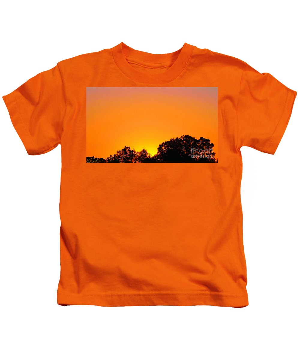 Sunrises Kids T-Shirt featuring the photograph Star Burst by September Stone