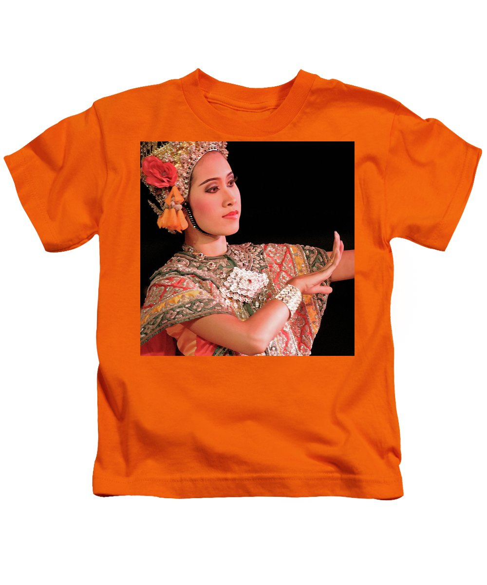 Lady Kids T-Shirt featuring the photograph Storyteller by Timothy Princehorn