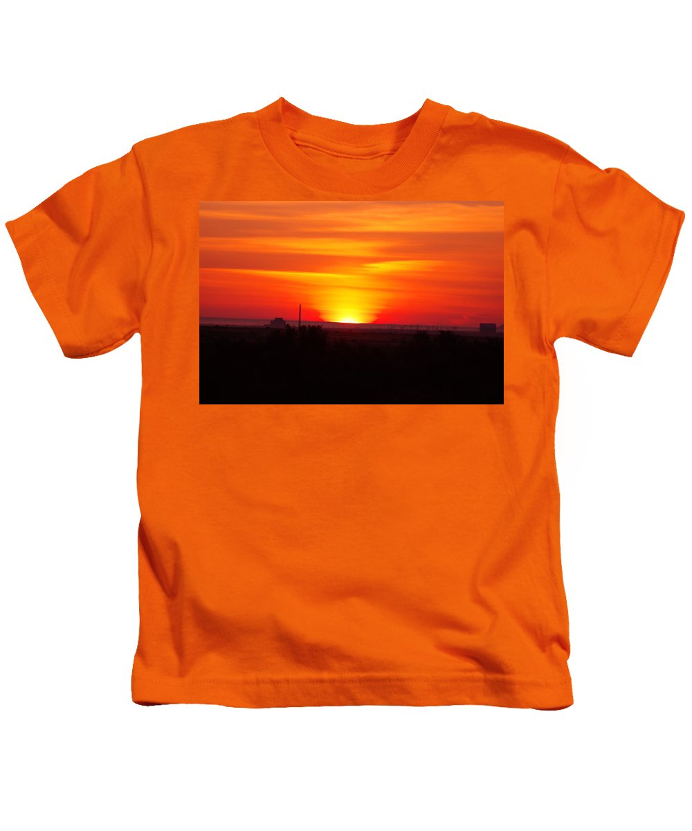 Sunrise Kids T-Shirt featuring the photograph Sunrise Over Hanford by Jeff Swan