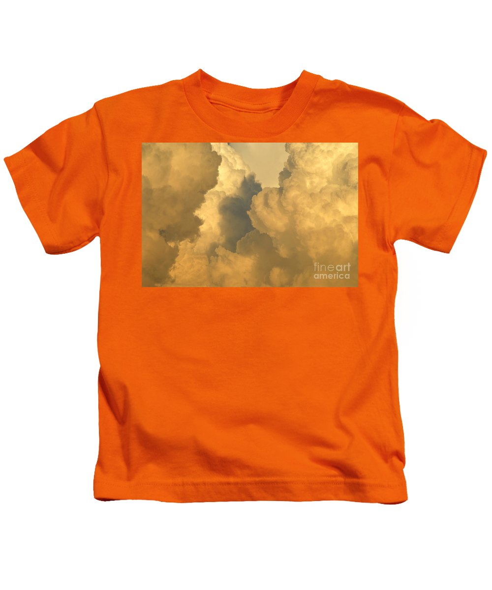 Clouds Kids T-Shirt featuring the photograph Thunder Heads by David Lee Thompson