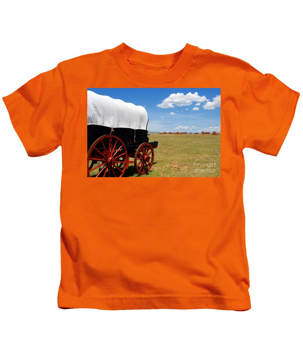 Fort Union New Mexico Kids T-Shirt featuring the photograph Wagon At Old Fort Union by David Lee Thompson