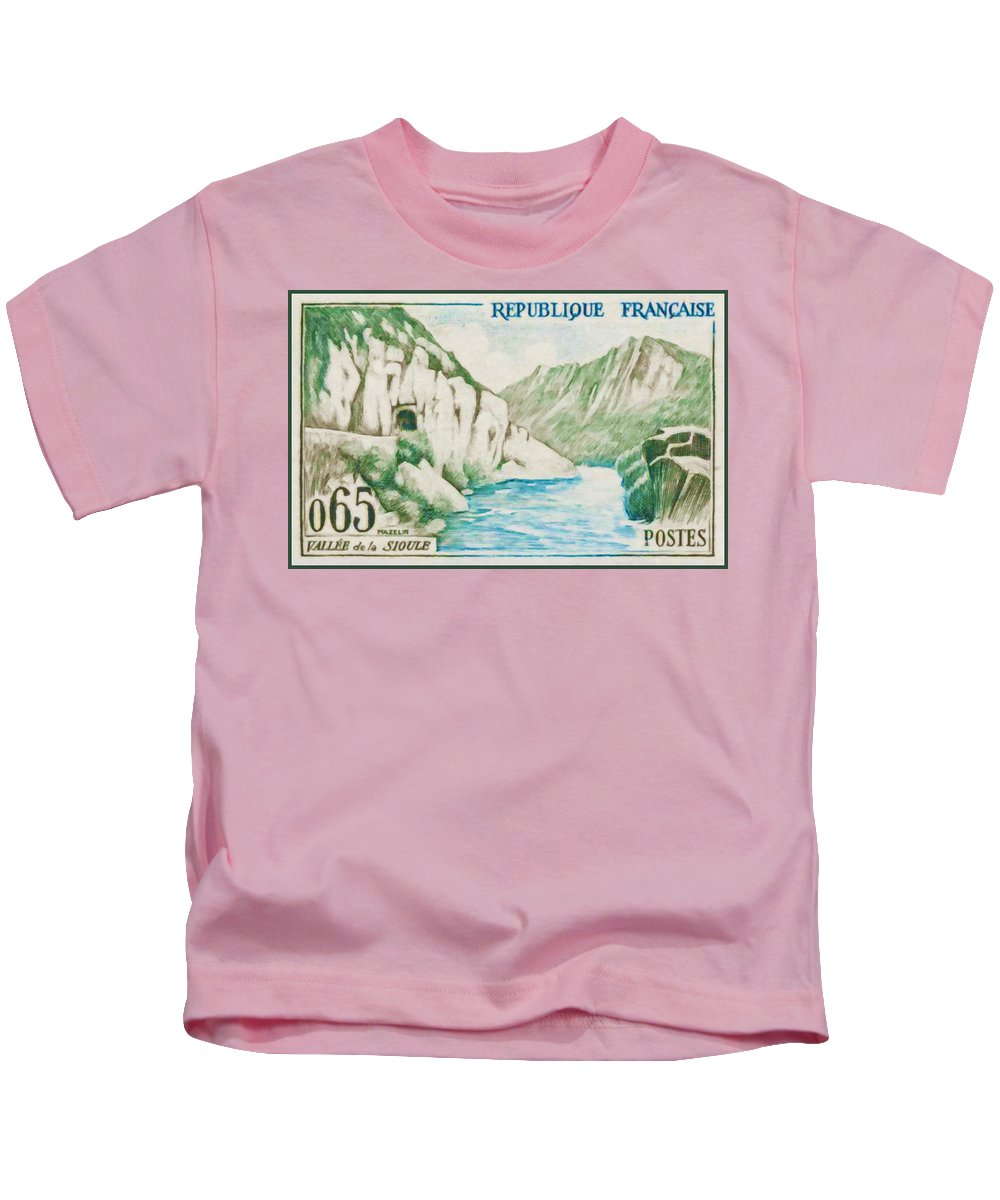 Heritage Kids T-Shirt featuring the painting Alley Of Sioule by Jeelan Clark