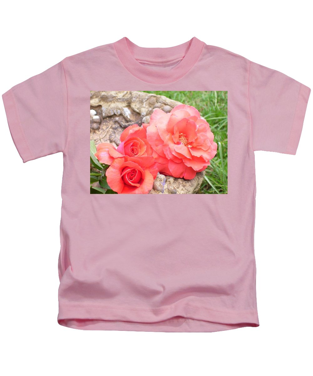 Floral Kids T-Shirt featuring the photograph Birdbath Roses by Tammy Garner