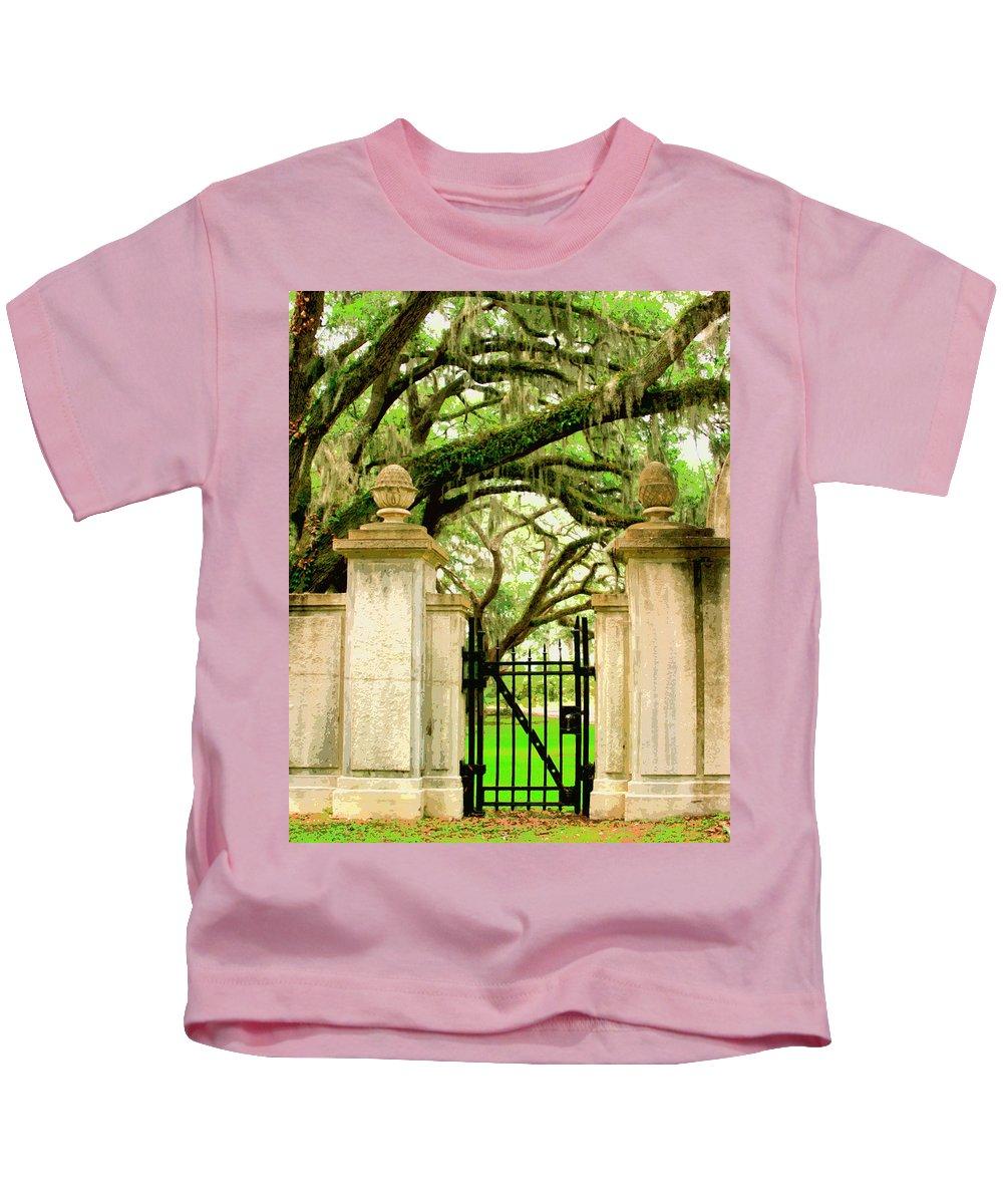 Savannah Kids T-Shirt featuring the photograph Bonaventure Gate Savannah Ga by William Dey