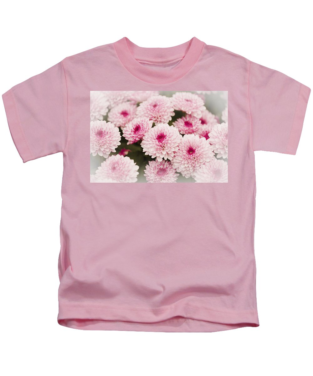 Chrysanthemum Kids T-Shirt featuring the photograph Chrysantemum Pink by Maj Seda