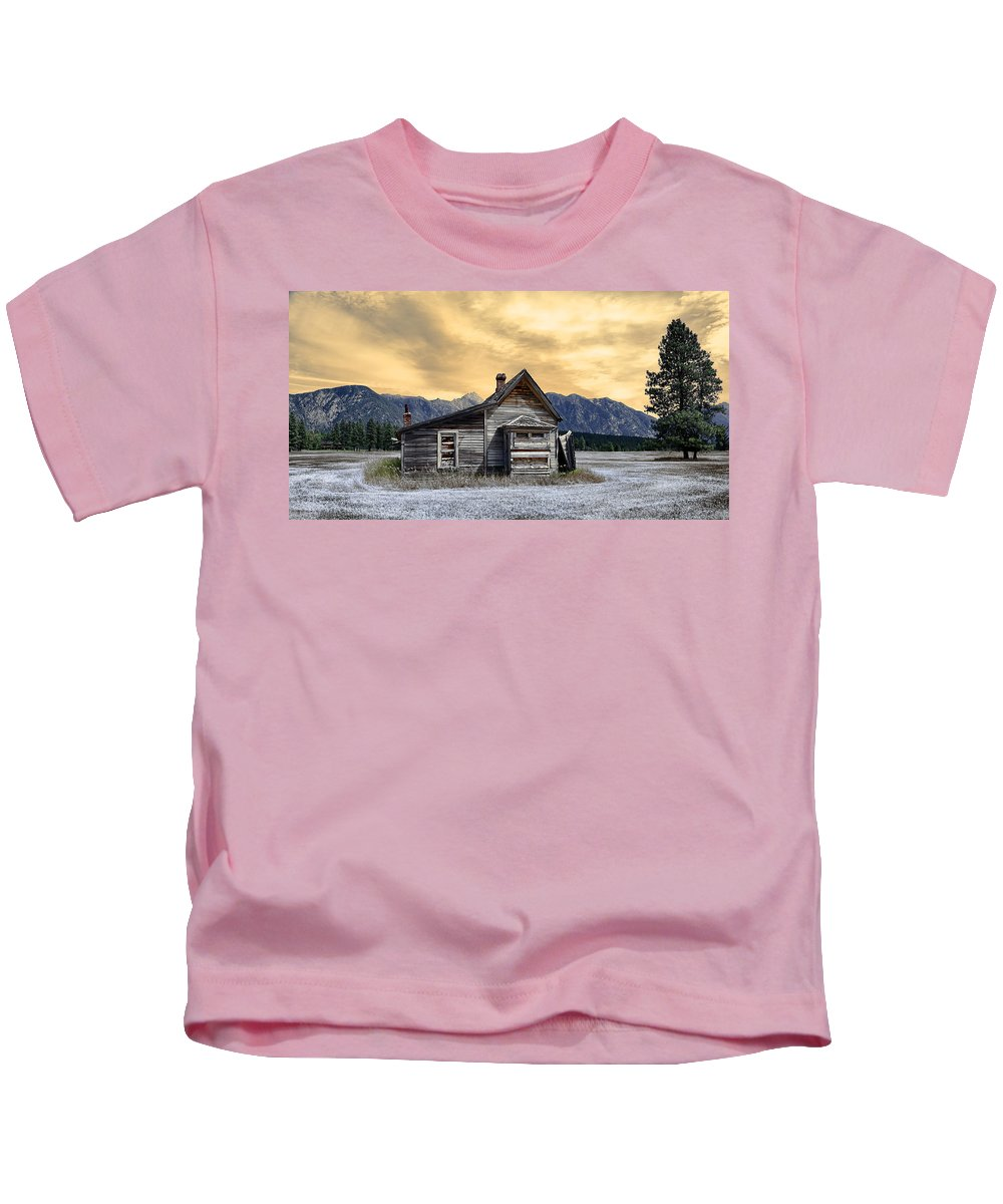 Architecture Kids T-Shirt featuring the photograph Little House On The Prairie by Wayne Sherriff