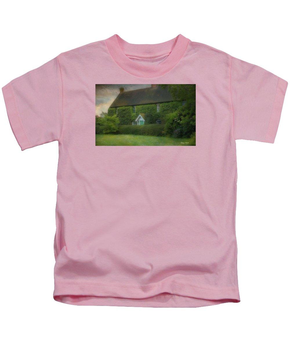 House Kids T-Shirt featuring the photograph Stodmarsh House by Fran J Scott