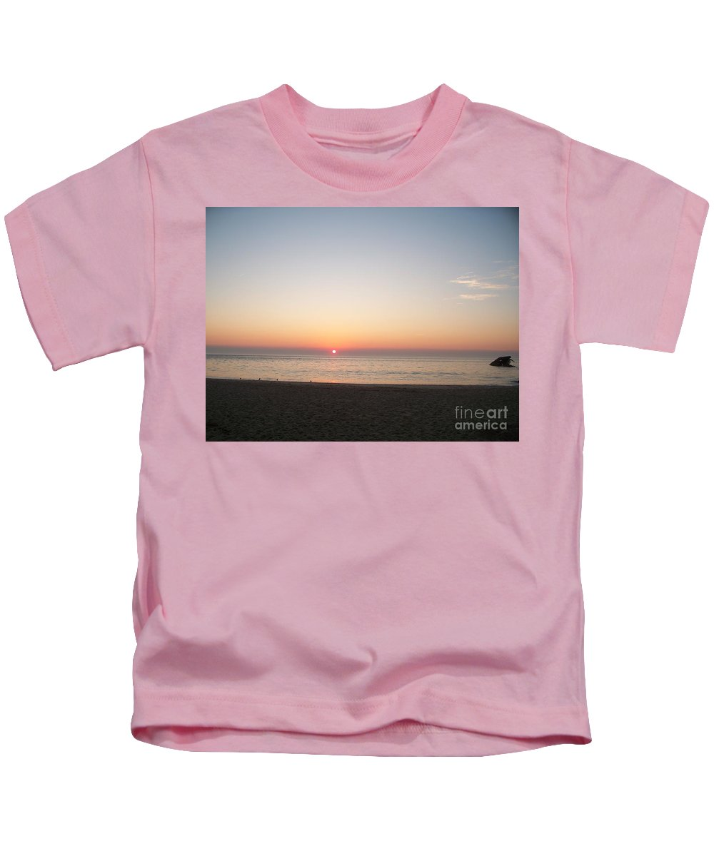 Atlantic Kids T-Shirt featuring the photograph Sunset On The Delaware Sunset Beach by Eric Schiabor