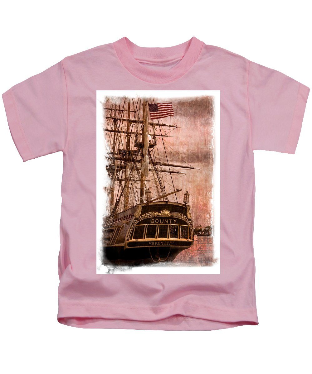 American Kids T-Shirt featuring the photograph The Gleaming Hull Of The Hms Bounty by Debra and Dave Vanderlaan
