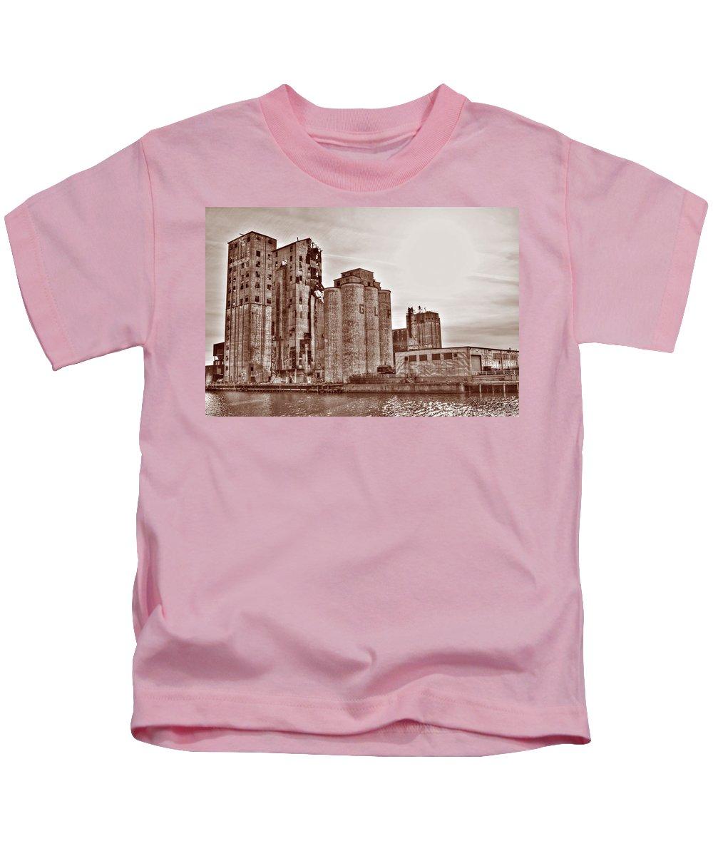 Kids T-Shirt featuring the photograph Grain Elevators St by Michael Frank Jr