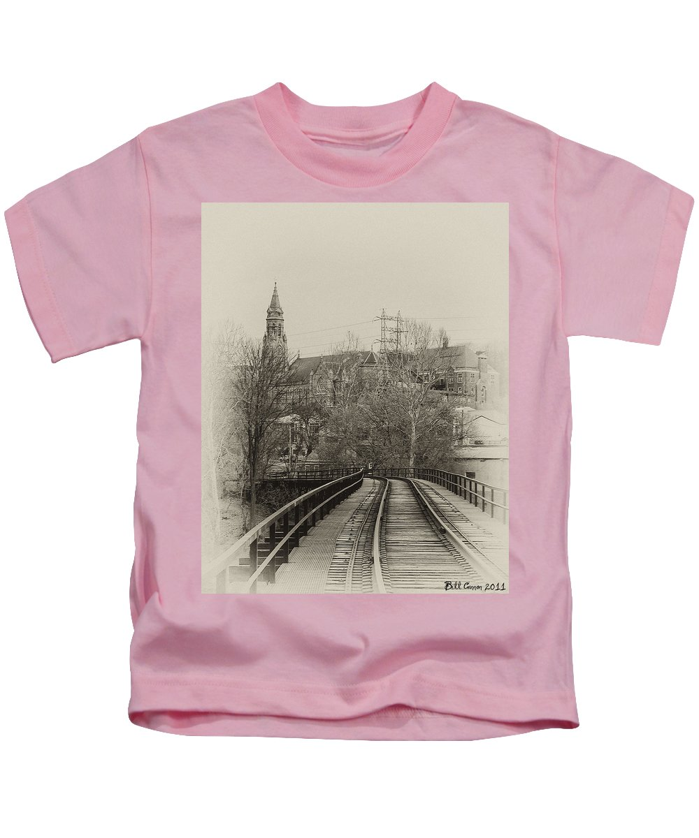 Rail Road Kids T-Shirt featuring the photograph Manayunk From The Tressel Tracks by Bill Cannon