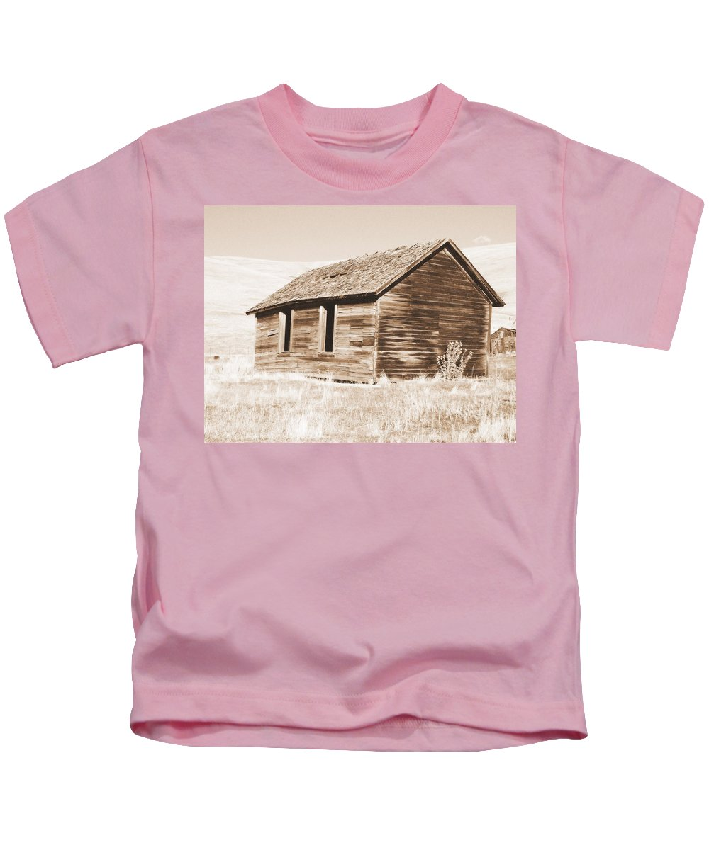 Ranch Kids T-Shirt featuring the photograph Old Ranch Hand Cabin Ll by Kathy Sampson