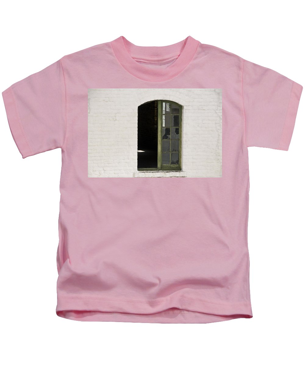 Abandoned Kids T-Shirt featuring the photograph White Brick And Broken Window by Ray Laskowitz