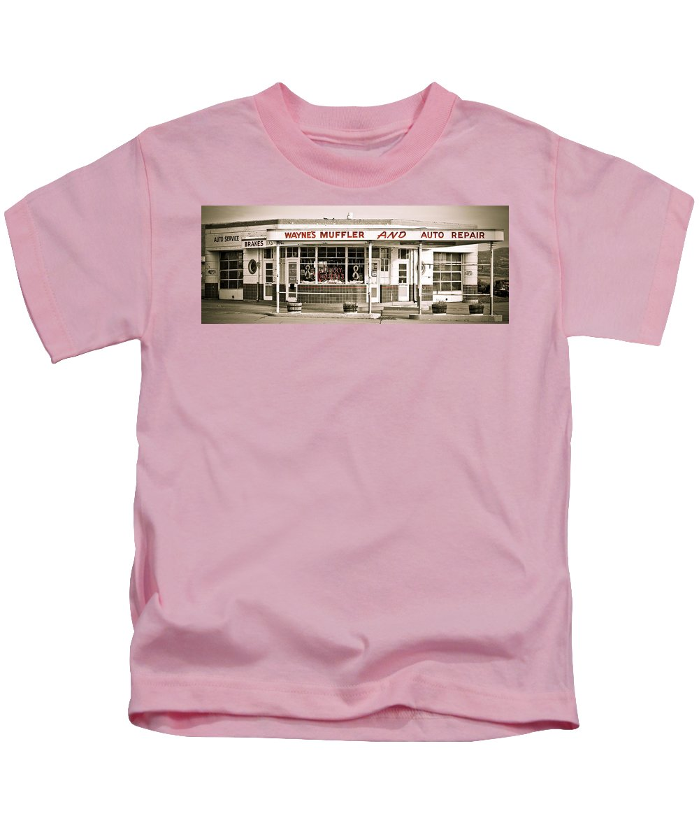 Filling Station Kids T-Shirt featuring the photograph Old Art Deco Filling Station by Marilyn Hunt