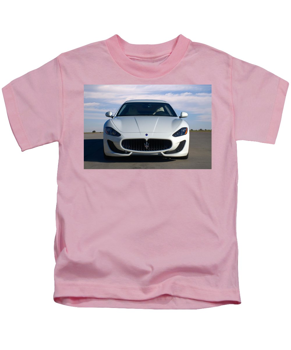 2015 Kids T-Shirt featuring the photograph 2015 Maserati Granturismo by Tim McCullough