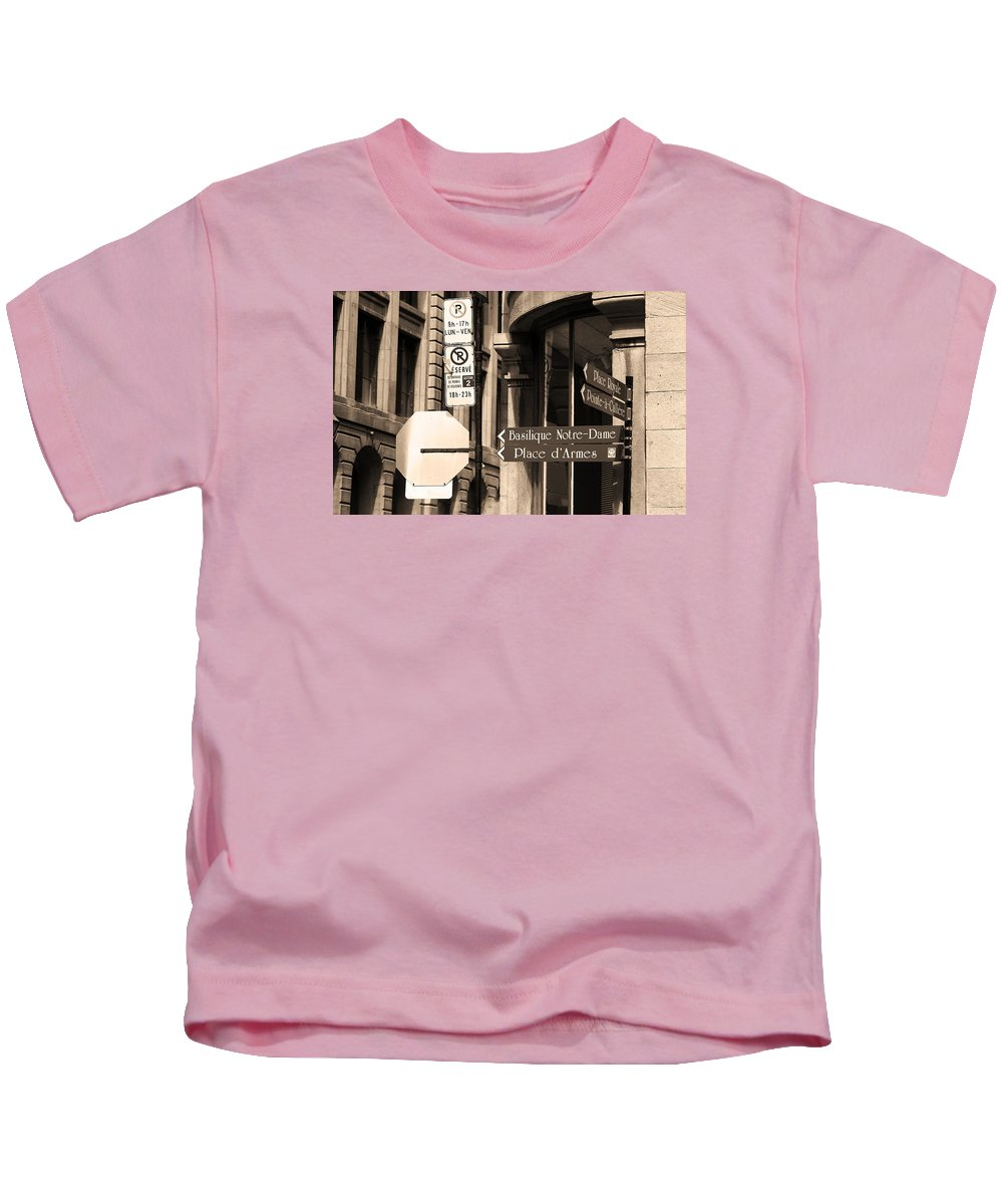 America Kids T-Shirt featuring the photograph Montreal Street Scene by Frank Romeo