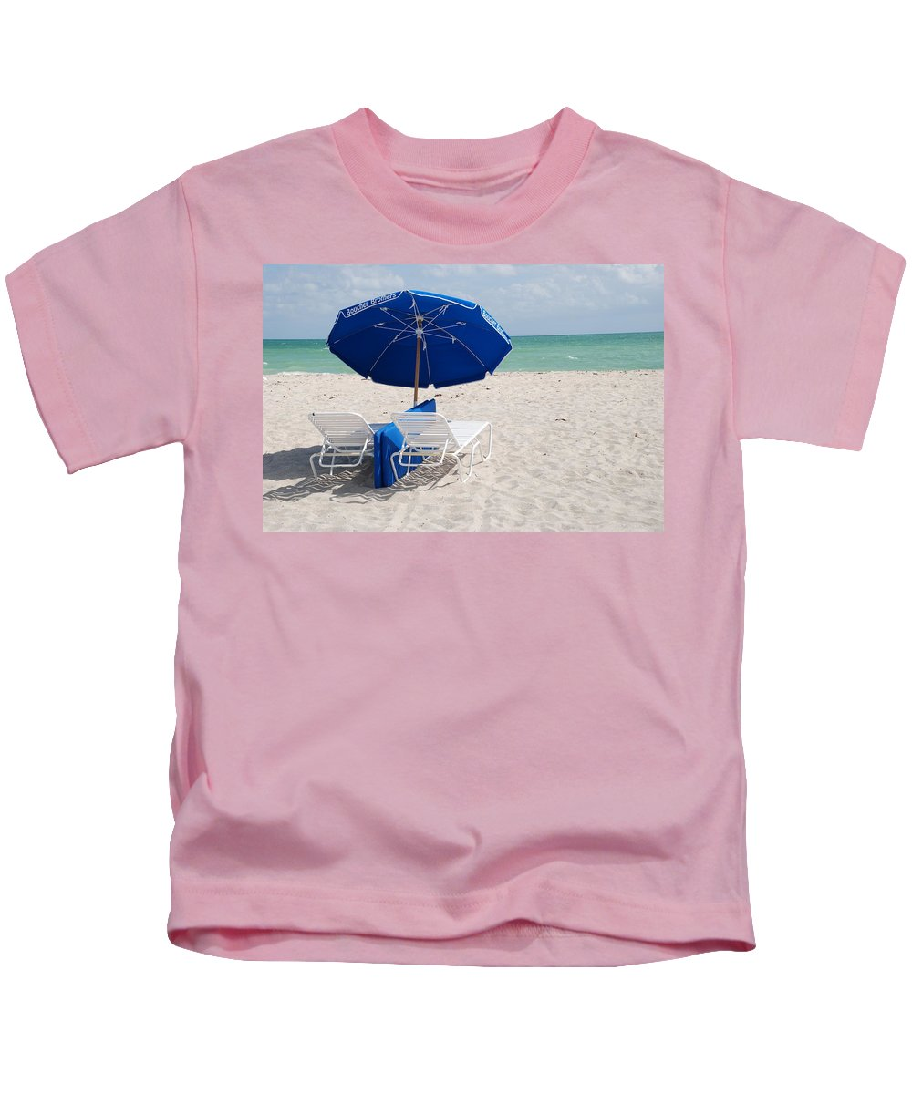 Sea Scape Kids T-Shirt featuring the photograph Blue Paradise Umbrella by Rob Hans