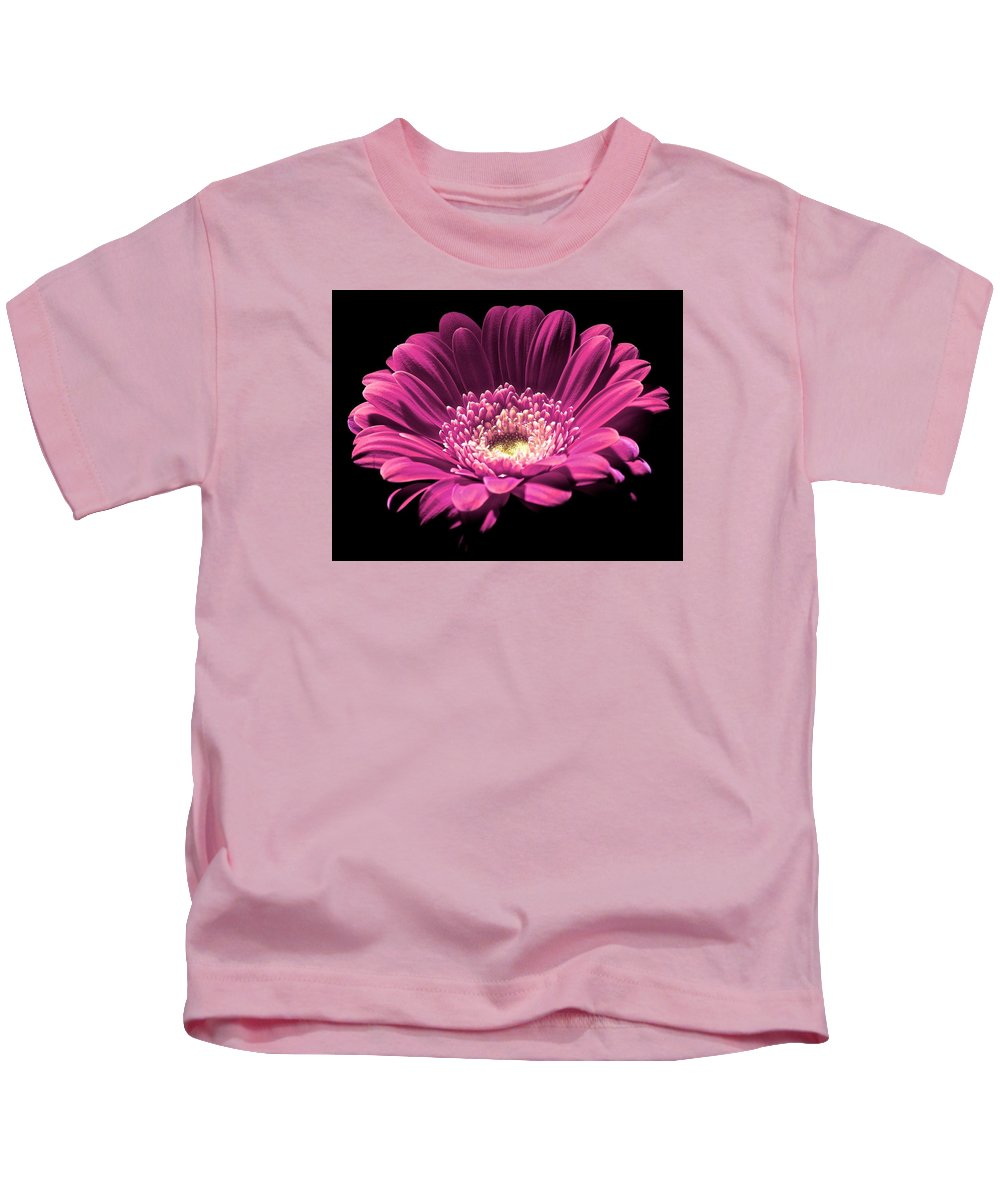 Flower Kids T-Shirt featuring the photograph Daisy 01 by Alvin Sangma