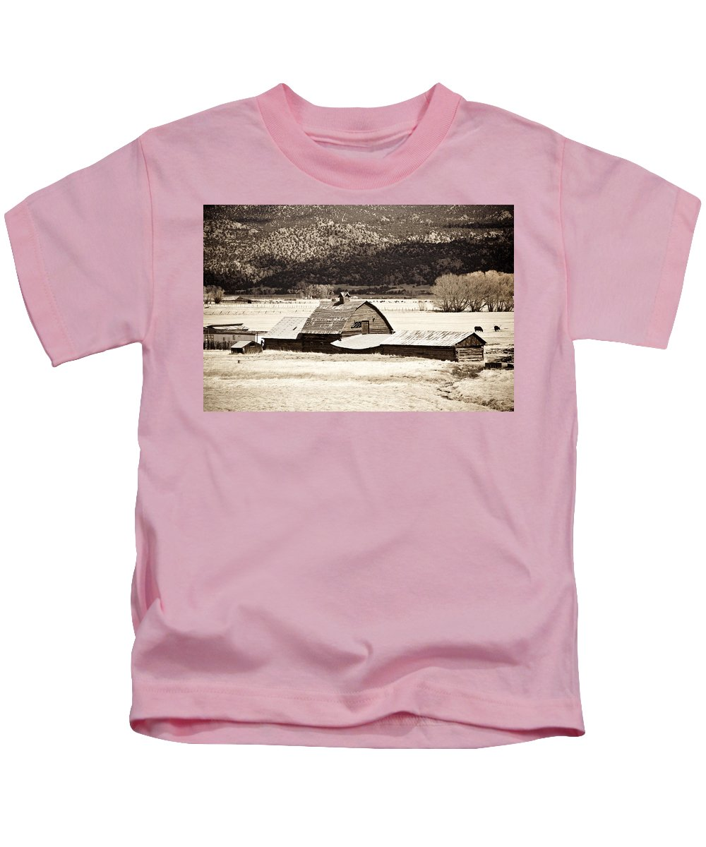 Americana Kids T-Shirt featuring the photograph Down On The Farm by Marilyn Hunt