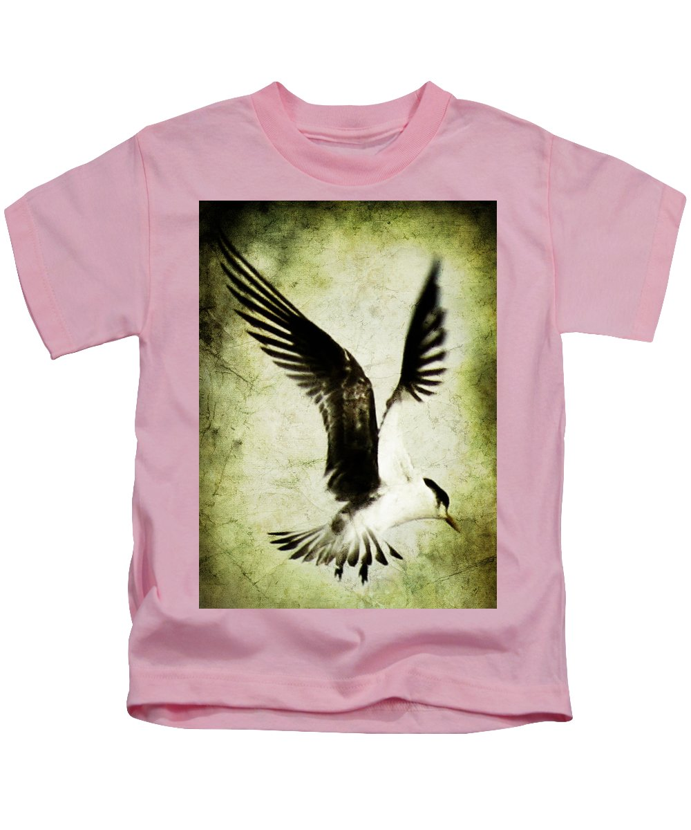 Avairy Kids T-Shirt featuring the photograph Emancipate by Andrew Paranavitana