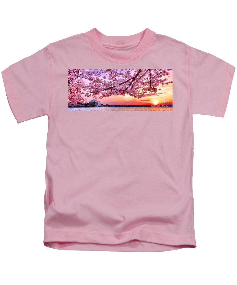 Washington Kids T-Shirt featuring the photograph Glorious Sunset Over Cherry Tree At The Jefferson Memorial by Olivier Le Queinec