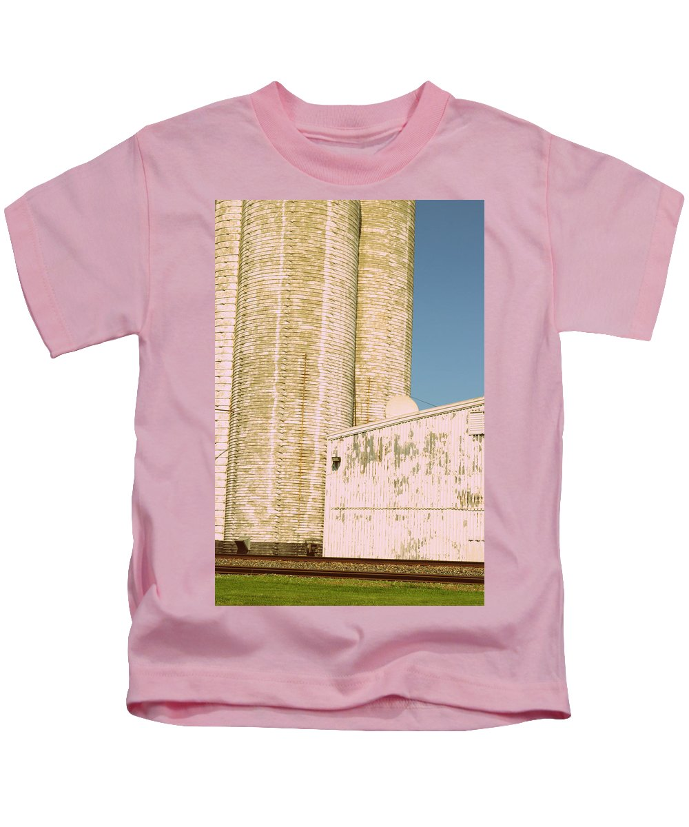Silo Kids T-Shirt featuring the photograph Midwestern Monarch by Paulette B Wright